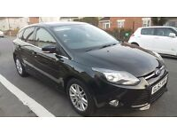 2013 Ford Focus TITANIUM - FULL FORD SERV HISTORY - 33K MILAGE - 1 previous PRIVATE OWNERS