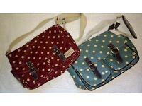 Pair of shoulder bags