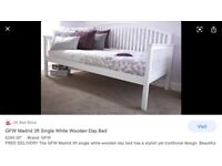 Single bed Madrid solid wood day bed frame