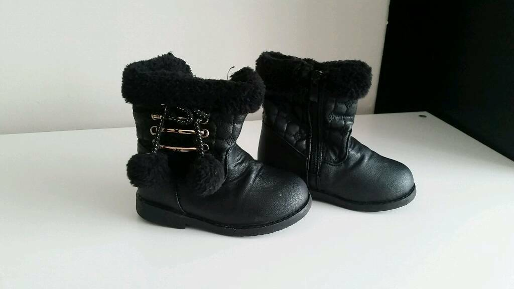 Winter shoes size 6