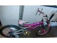 Girls kids mountain bike. 5 gears Suspension.