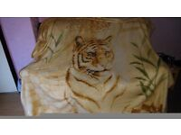 Stunning Double Bed Sized Tiger Blanket