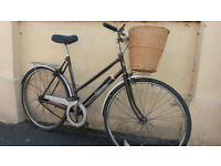 LADIES AND MANS DUTCH STYLE TOWN BIKE £60