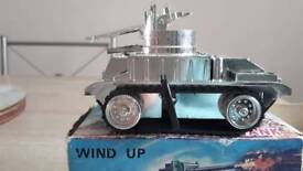 Wind up sparking tank