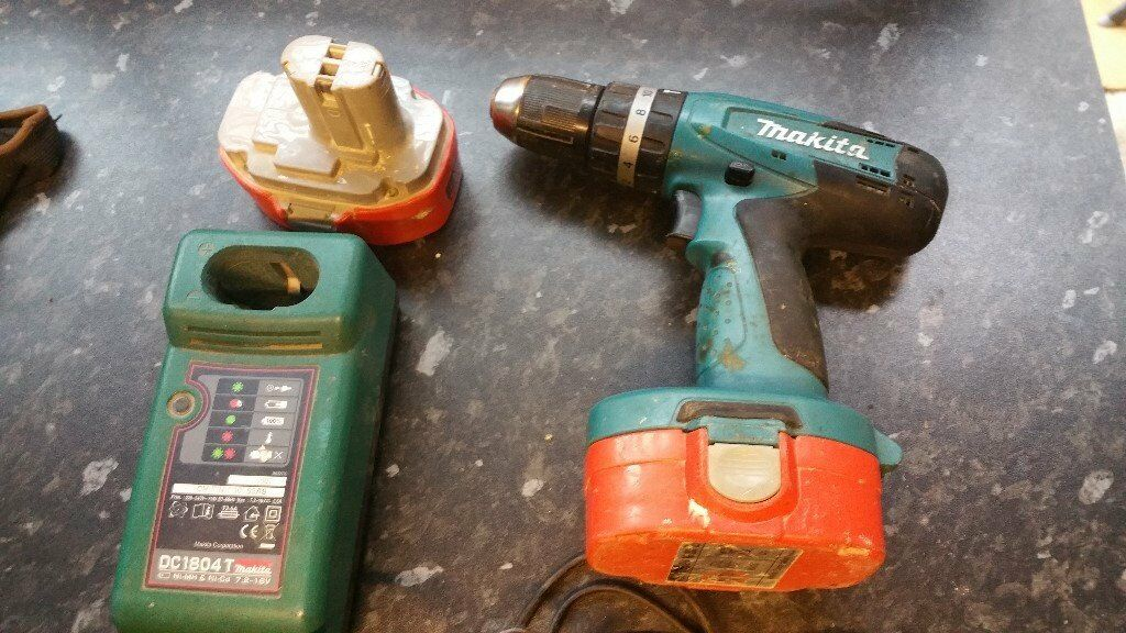 Makita hamerdrill driver with charger and X2 batteries in good condition! Can deliver or post!