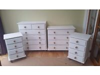 Chest of drawers / bed side drawers