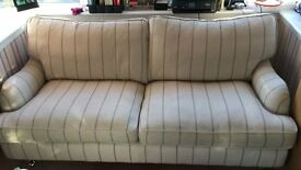 Beautiful 4 seated sofa from DFS. Beige with pruple stripe. Great condition.