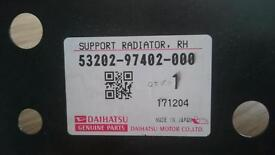 Diahatsu yrv support radiator