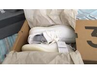 Yeezy White // Sz7 // With Proof of Authenticity