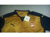 Arsenal Away Shirt Size M 2016/2017 season. Brand new with tags