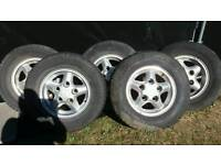 Landrover Alloy Wheels with tyres