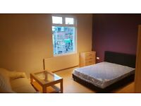 No deposit, large double bedroom new fully furnished, all bills included