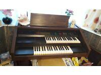 Lowrey L-65 Organ