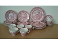 Willow pattern red crockery