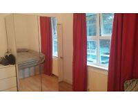 Double room to rent 1 minute from the tube (East Acton, West London, Zone 2). Couples welcome