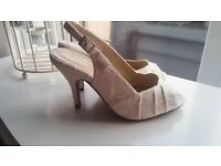 Ivory lace peep toe heeled shoe, only worn once - size 5