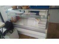 Refridgerated display unit