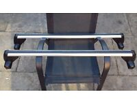 VW Roof Bars to Fit VW Golf Mk4 in immaculate Condition. Will also Fit Bora.
