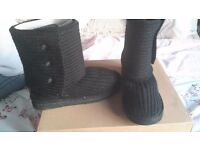 Womens Classic Cardy Ugg Boots Black size 6.5