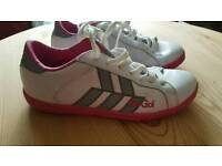 GIO GOI TRAINERS SIZE 4 (NEARLY NEW)