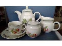Ashberry tea set