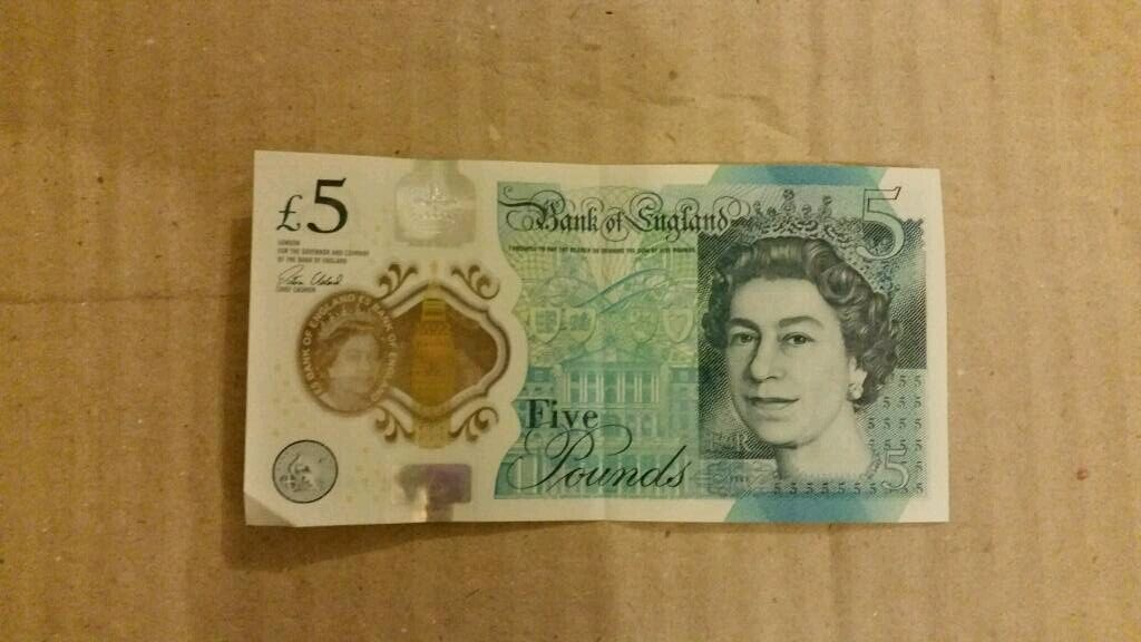Brand new £5 note