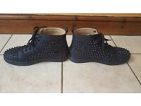 Mens designer trainers size 9 christian louboutin spike/black trainer