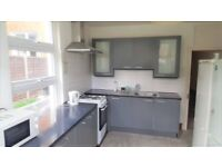 ***FANTASTIC 3/4 BEDROOM HOUSE IN LEYTON 1O MINUTES AWAY FROM LEYTON MIDLAND STATION***£2200***