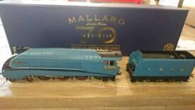 Hornby R 2684 18CT Gold plated MALLARD