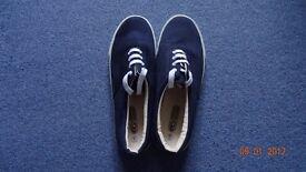 Men's Beach Shoes Unused (Size 11)