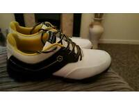 Dunlop golf shoes hardly worn......front spike missing..easily replaced