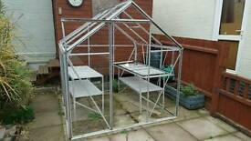 Aluminium greenhouse and staging