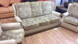 3 peice suite free delivery in leeds £180