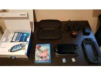 Ps Vita bundle, 2 games and carry cases