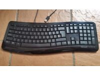 Microsoft Comfort Curve Keyboard 3000 - USB