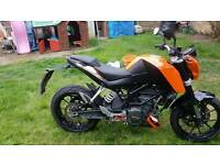 KTM DUKE 125CC spotless condition. 1100 miles on the clock. Full years tax and fully serviced