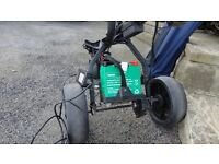 ELECRTIC GOLF TROLLEY WITH BATTERY AND CHARGER GOOD FOR 18 HOLES
