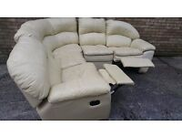 COMFY CREAM LEATHER CORNER RECLINER SOFA.