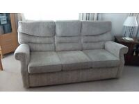 Mottled beige 3 piece suite including electric recliner in working order.