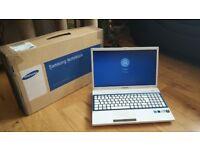 Samsung Series 3 NPV300V5A (Intel Pentium 2.10Ghz 750GB HDD 6GB Ram Win 10)