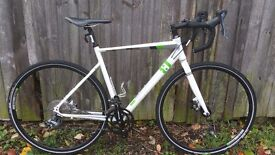 Used once 54cm mens cyclocross bike very new condition bargain