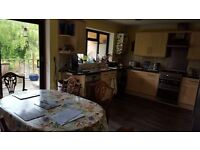 Single Room in Large Modern House Nr Coy Pond/Westbourne
