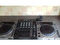 2 pioneer cdj 800 also a pioneer djm 700 mixer all in mint condition
