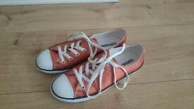 Bronze metallic converse all stars size 5