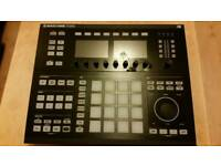 Native Instruments Maschine Studio Black with software and space saver cover