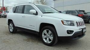 2016 Jeep Compass NORTH 4X4 - ONLY 4,600 KMS!!!!!