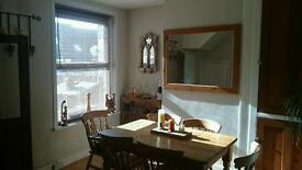 Large double room to let in modernised 3 bedroom terraced house.