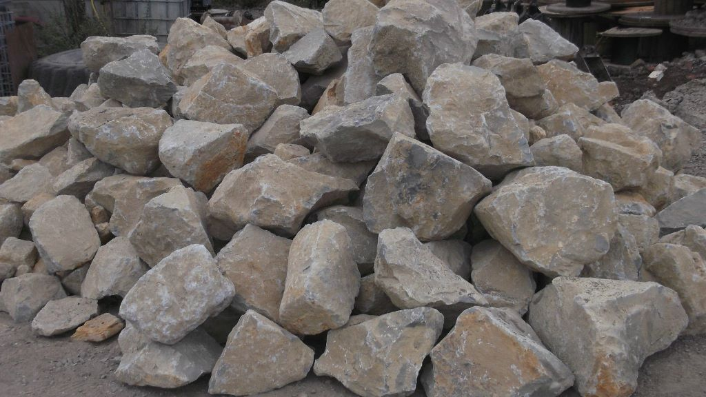 Quality grey sand stone rockery stones 1 ton bulk bag for Landscaping rocks by the ton