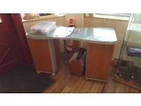 Manicure Table for Sale in Excellent condition