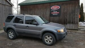 2007 Ford Escape XLT, 4x4, Automatic, JUST ARRIVED